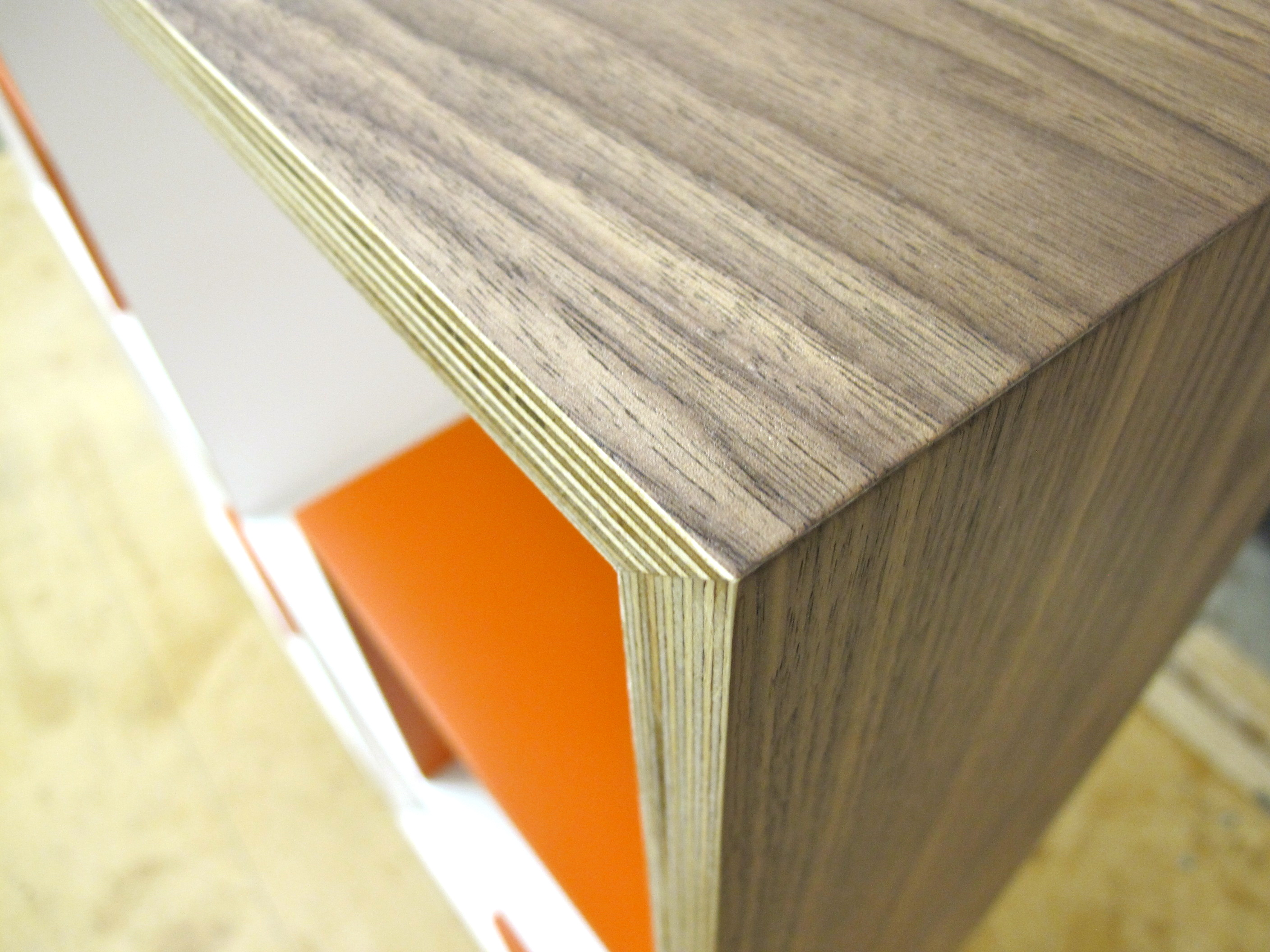 walnut veneered plywood